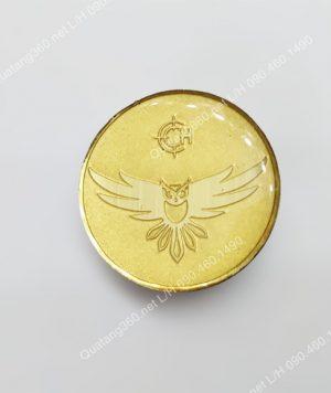 huy hiệu đeo ngực bằng đồng